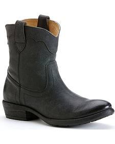Frye Women's Carson Lug Short Boots - Round Toe
