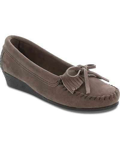 Minnetonka Womens Kilty Wedge Moccasins Western & Country 419