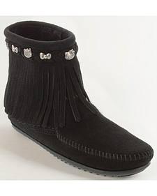 Minnetonka Women's Hello Kitty 40th Anniversary Fringe Boots