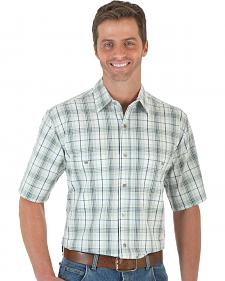 Wrangler Men's Green & White Plaid Rugged Wear Wrinkle Resist Shirt