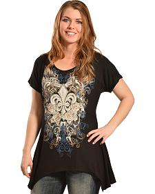 Liberty Wear Women's Black Fleur-de-Lis Mini Sharktail Shirt - Plus