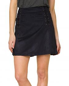 Miss Me Women's Black Faux Suede Skirt