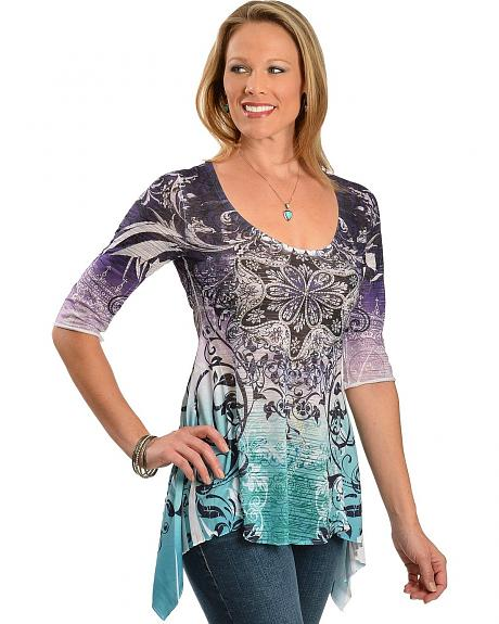 Red Ranch Floral Scrolling Shark Tail Hem 3/4 Length Sleeve Top