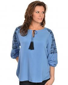 Ariat Women's Lucy Embroidered Top