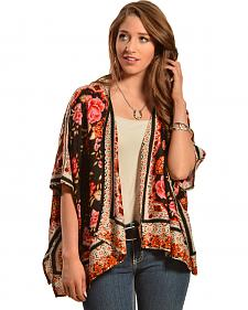 Red Ranch Women's Bouquet Kimono